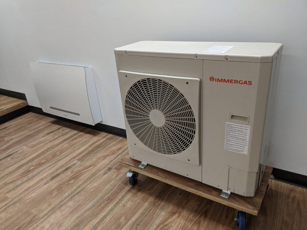 Hydrosol image of Immergas Audax 8kW hydronic heat pump with Galletti ART-U fan convector